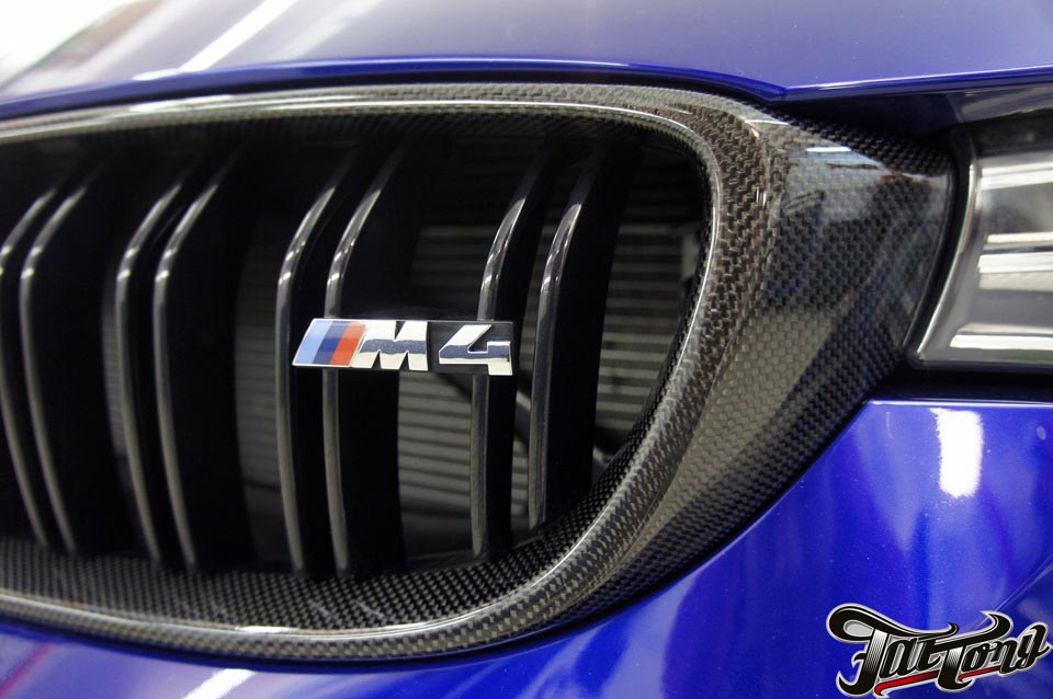 BMW M4 Coupe SanMarino. Carbon edition.